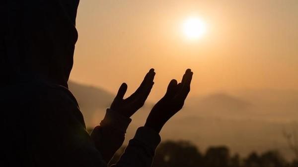 Kumpulan Doa Pendek Yang Biasa Dibaca Rasulullah - EvanAzka
