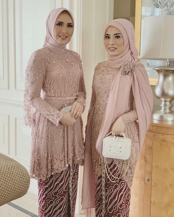 65 Model Kebaya Muslim Modern Brokat Simple Dan Mewah